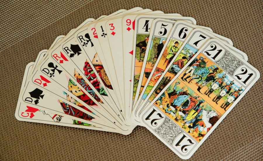 playing-cards-e83db80828_1920